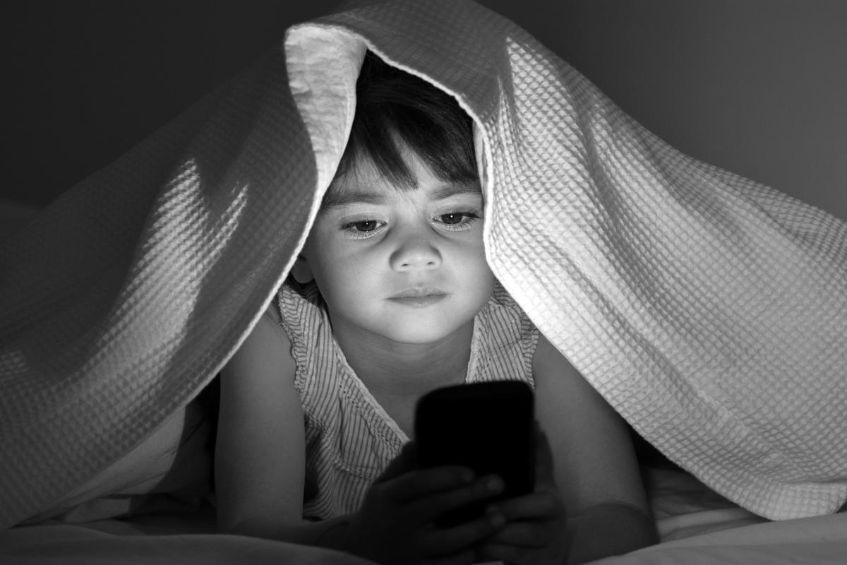 Ask Family Doctors: Smartphones and Sleep
